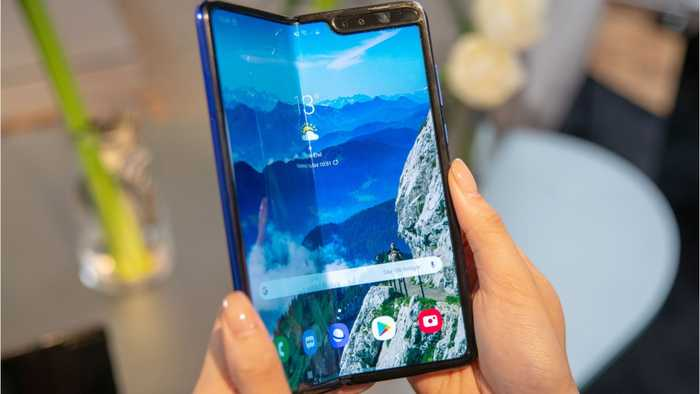 Samsung's Galaxy Fold Facing Issues With Testers Before Launch