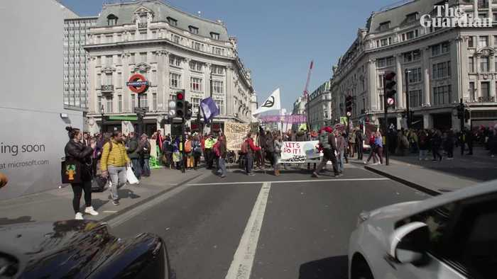 'If this is what it takes': London? reacts to the Extinction Rebellion ?'shutdown'