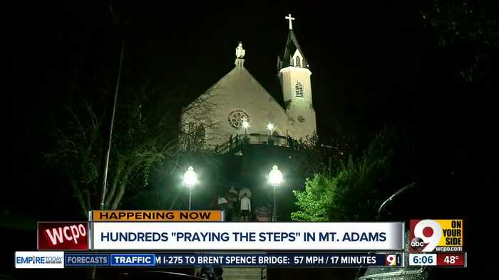 Catholics observe Good Friday in Mount Adams