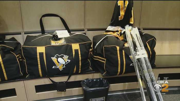 Penguins Clean Out Lockers After Playoffs Loss