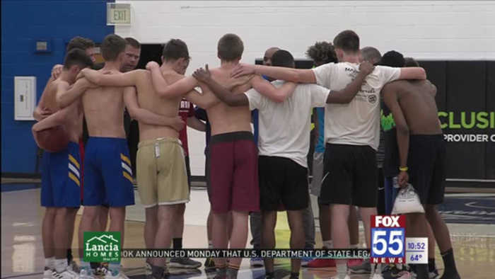 Indiana Boys Practice Ahead of Sunday's Annual Border Wars Game
