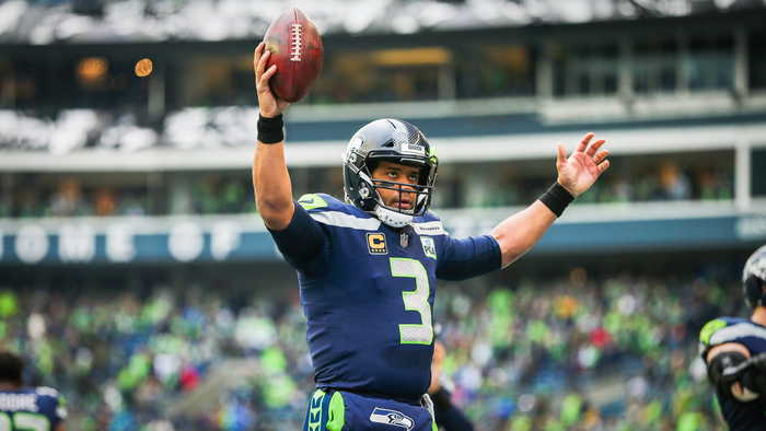 Russell Wilson Gifts Teammates with $156,000 in Amazon Stock