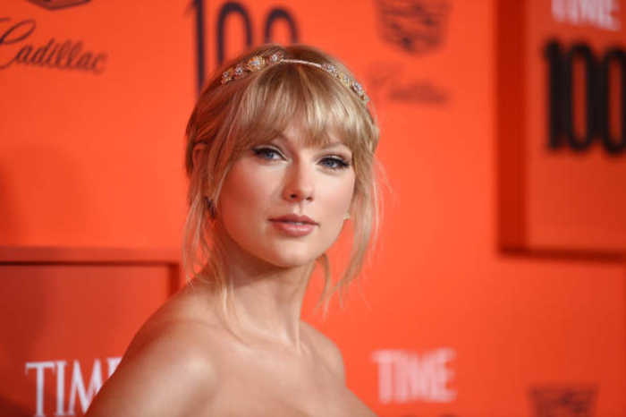 Taylor Swift Makes a Splash With Time 100 Gala Performance