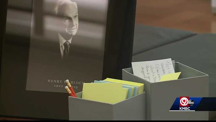 Museum patrons leave notes of thanks to Henry Bloch's family