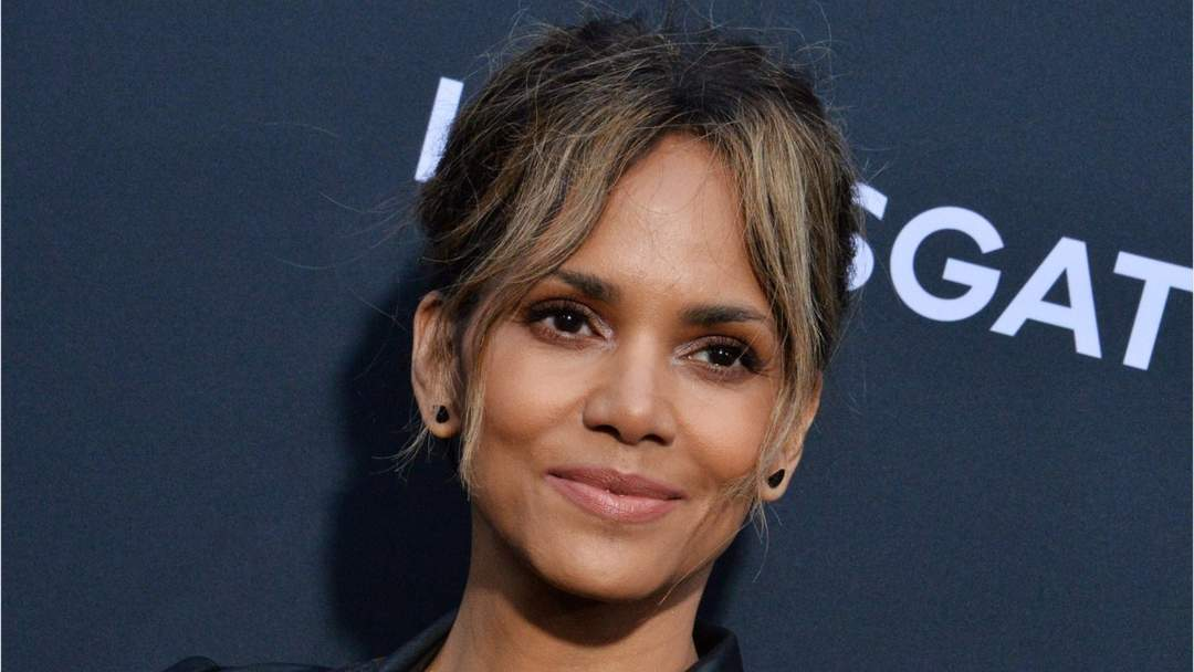 Halle Berry Debuts New Undercut Hairstyle One News Page