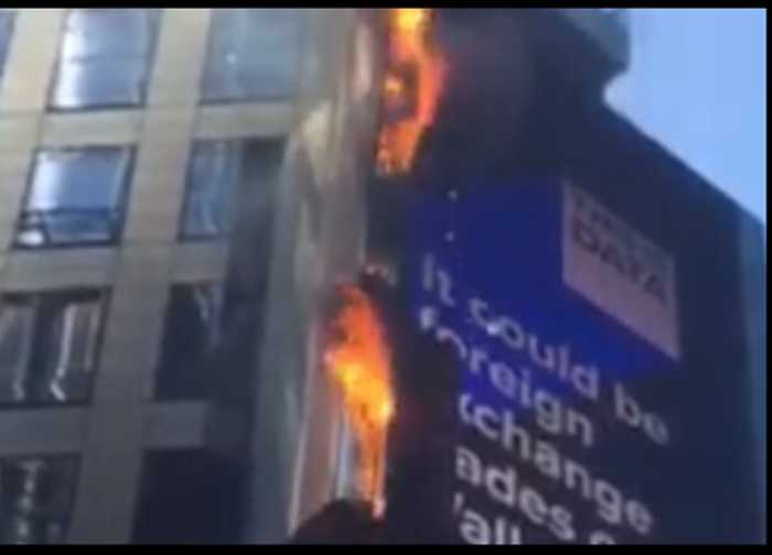 Fire Breaks Out on Times Square Billboard