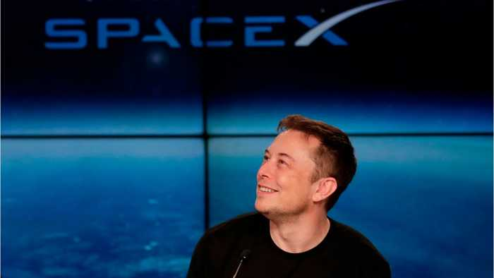SpaceX sues U.S. air force over competitors' contracts