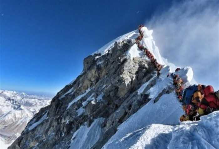 Mount Everest Overcrowding Causes Lethal Conditions