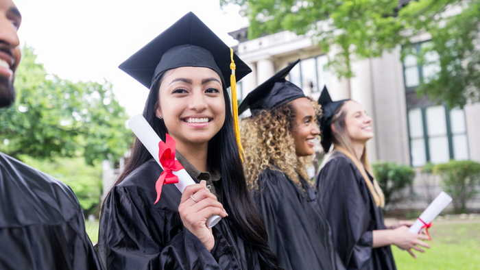 5 Great Gifts To Give To Your College Graduate