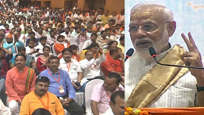PM Modi reveals his two big political crisis during his speech in Varanasi | Oneindia News