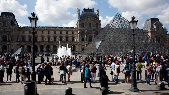 Louvre Workers Strike Due To Too Much Tourism