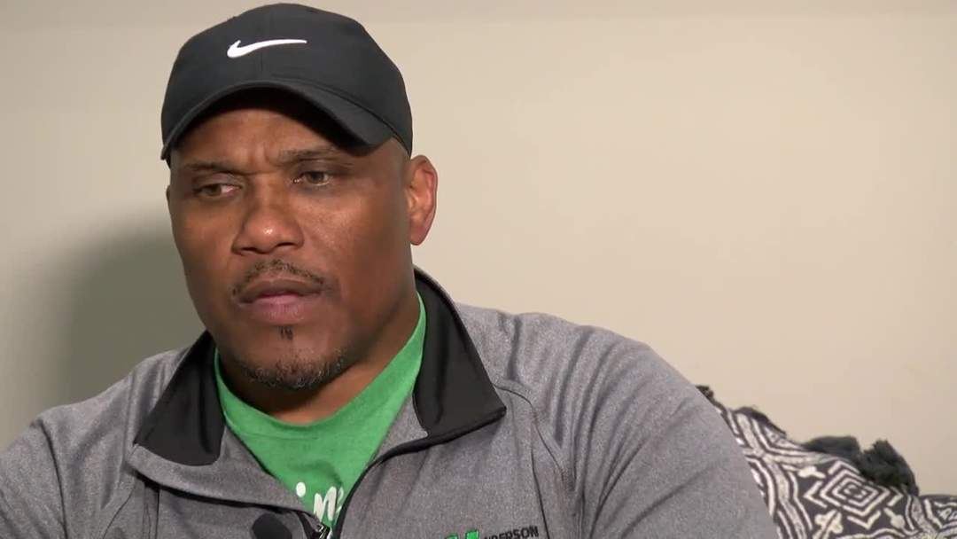 Former Packers star William Henderson helps combat bullying
