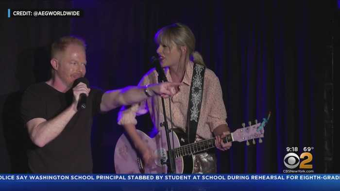Taylor Swift Stops By Stonewall Inn For Surprise Performance
