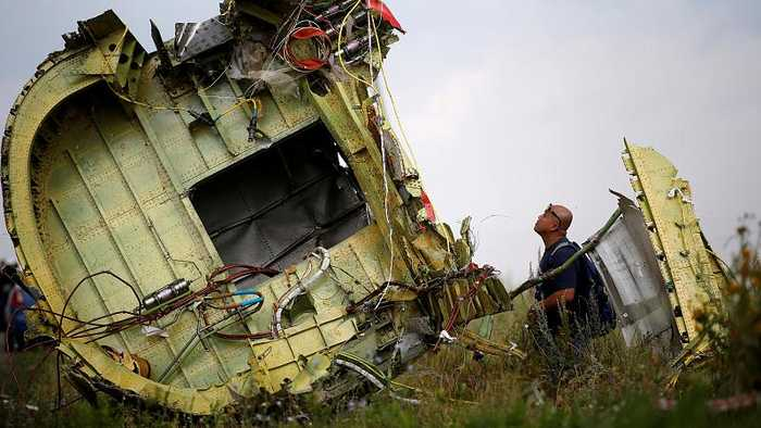 MH17: Investigators name four suspects in downing of plane, three Russian nationals, one Ukrainian