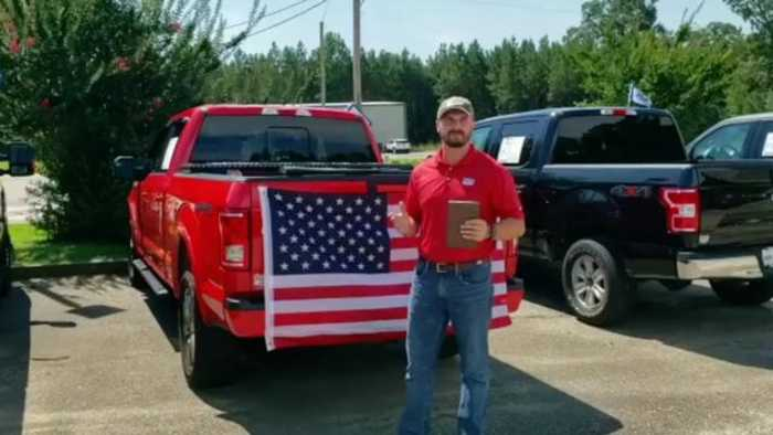 Alabama Ford Dealership Is Giving Away Shotgun, Bible And Flag To Its Customers