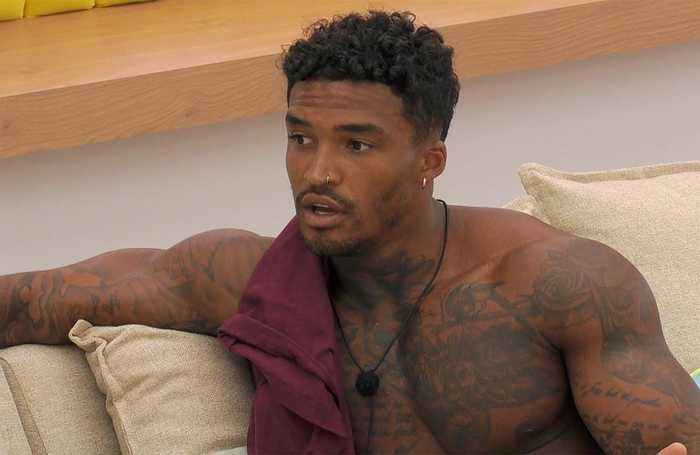 Love Island's Michael Griffiths apologises to Amber Gill