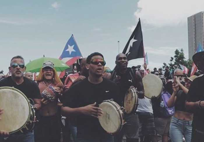 Puerto Ricans Dance and Sing in San Juan Streets During Mass Rally Against Governor
