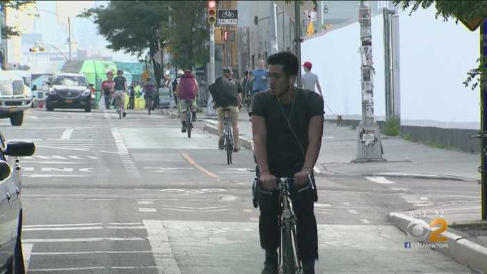NYC Council Passes Bill Allowing Cyclists To Follow Walk Signals