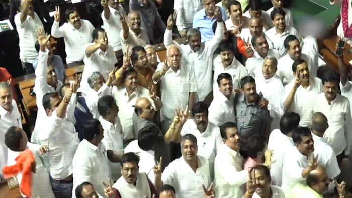 Congress-JDS govt falls, BJP says will form stable government