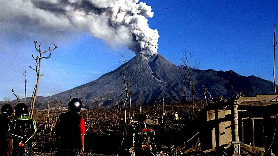 Indonesia's most active volcano a magnet for tourists