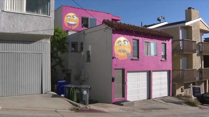 SoCal Residents Raise Concern Over Pink 'Emoji House' at City Council Meeting