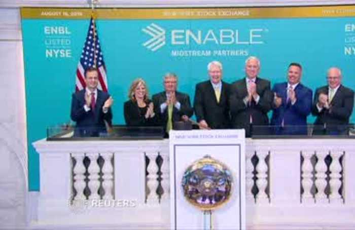 Wall Street rises on stimulus optimism
