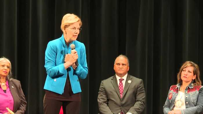 Warren apologizes at Native American forum