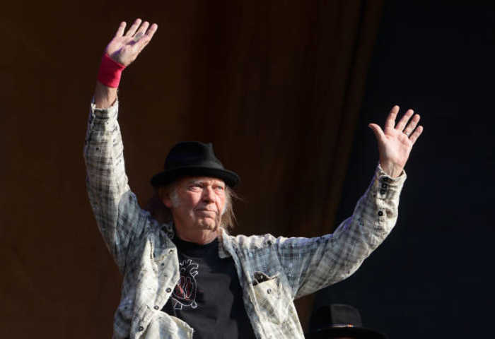Neil Young and Crazy Horse to drop new single