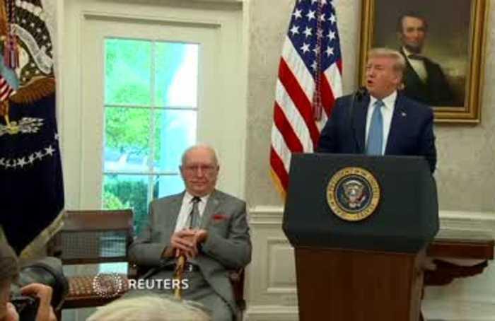 Trump honors basketball great Bob Cousy