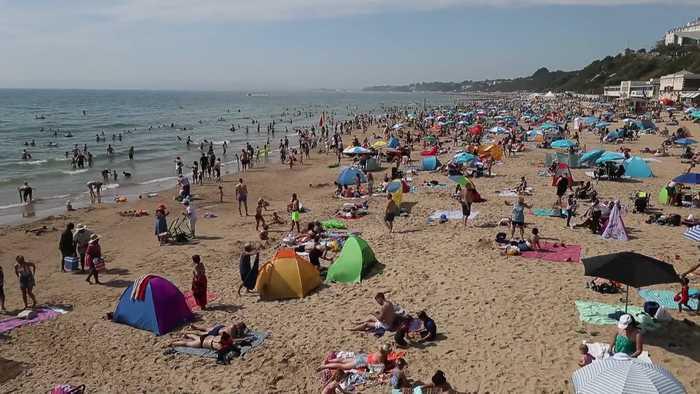 The UK soaks up glorious bank holiday sunshine