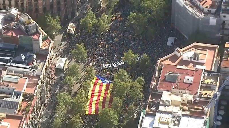 Watch: 600,000 Catalan independence supporters rally in Barcelona for holiday