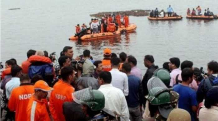 At least 12 dead in India boat capsize