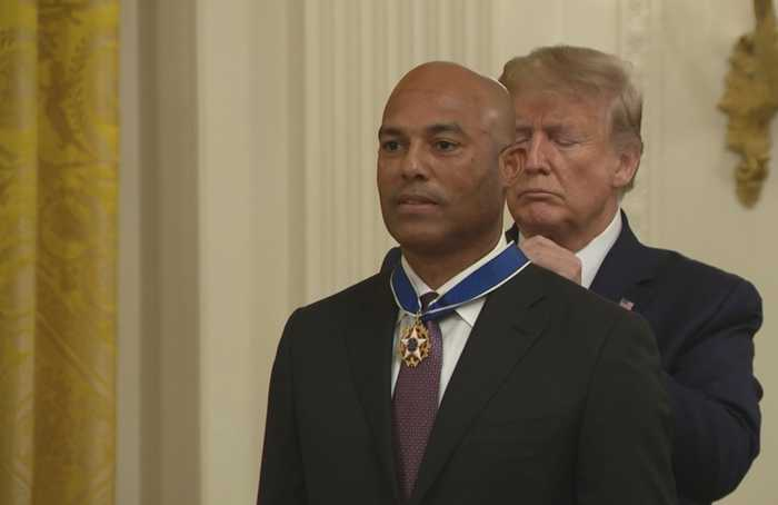 Baseball legend 'Mo' Rivera recieves Medal of Freedom