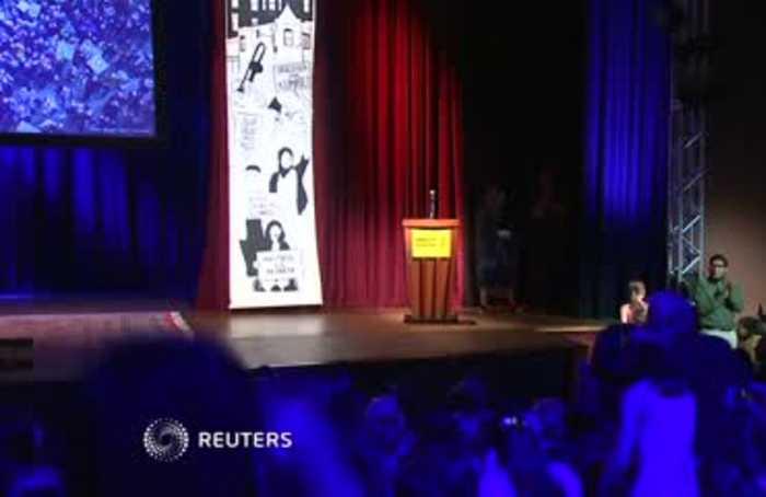 Teen activist Thunberg receives Conscience Award
