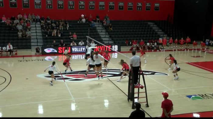 Raiders volleyball starting to find their 'rhythm'