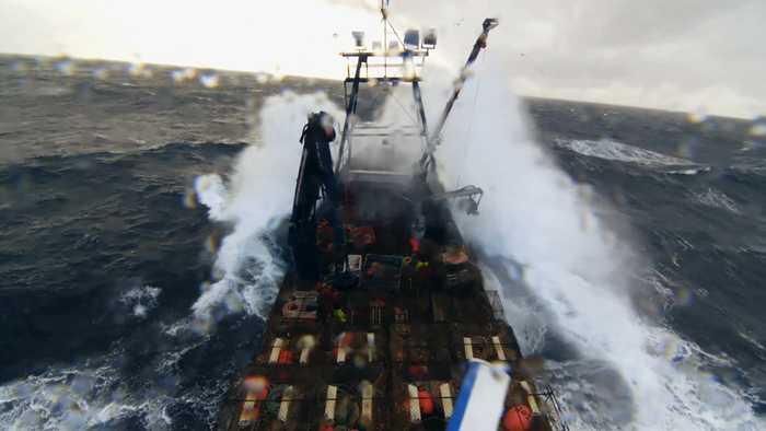 'Deadliest Catch': Jake Battles 20-Foot Frozen Seas