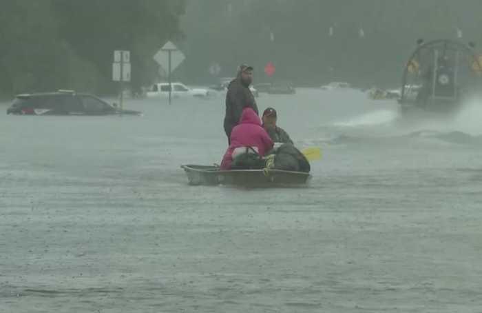 Stay off the roads: Houston mayor on Imelda