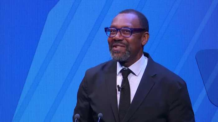 Sir Lenny Henry introduces himself as Justin Trudeau at diversity speech