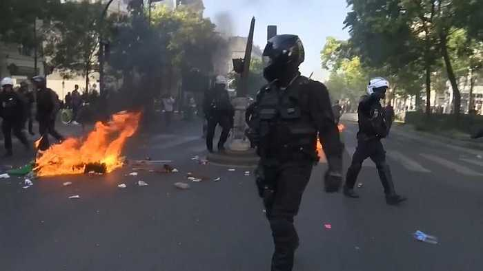Paris climate change march ends with minor clashes and tear gas