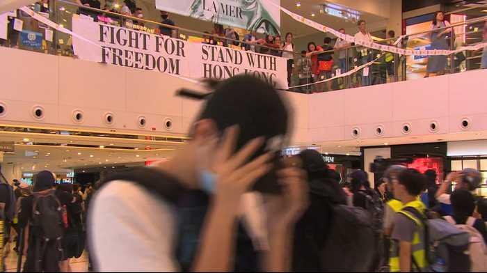 Protesting in Hong Kong shopping malls a new tactic
