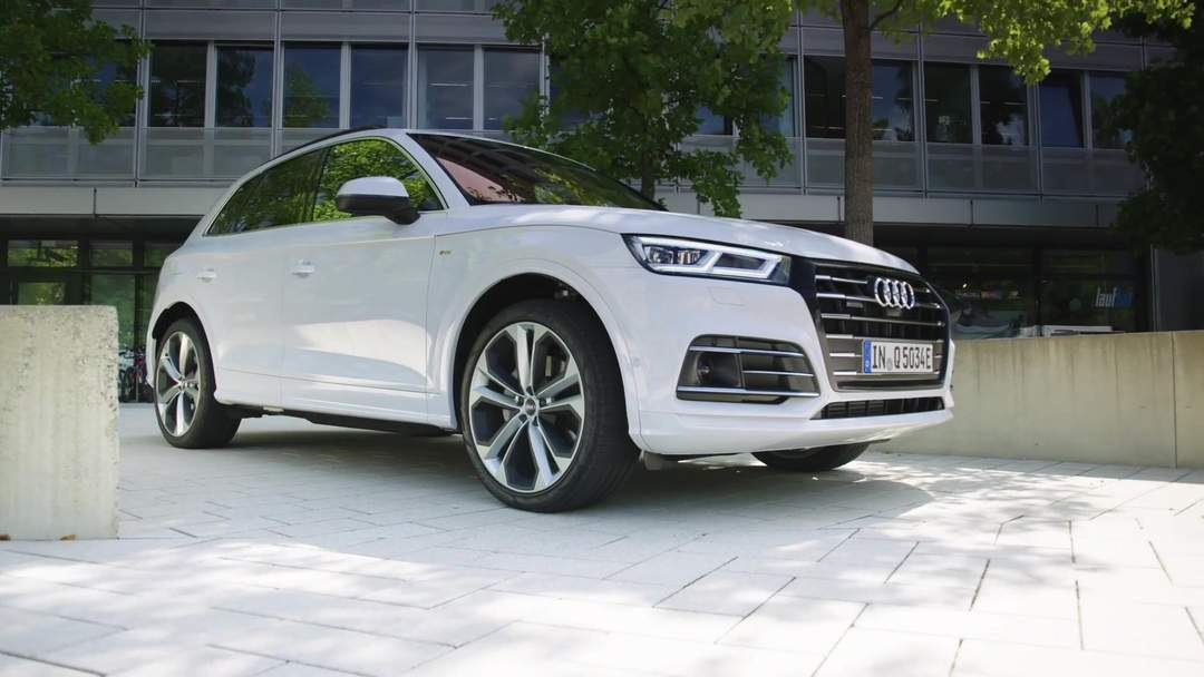 Audi Q5 55 TFSI e quattro PHEV Design Preview