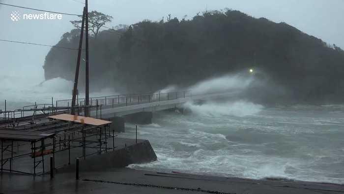 Typhoon Hagibis sees large waves crash against Japan's Ebisu Island