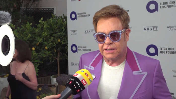 Elton John 'admires' Ellen DeGeneres for defending friendship with George W.Bush