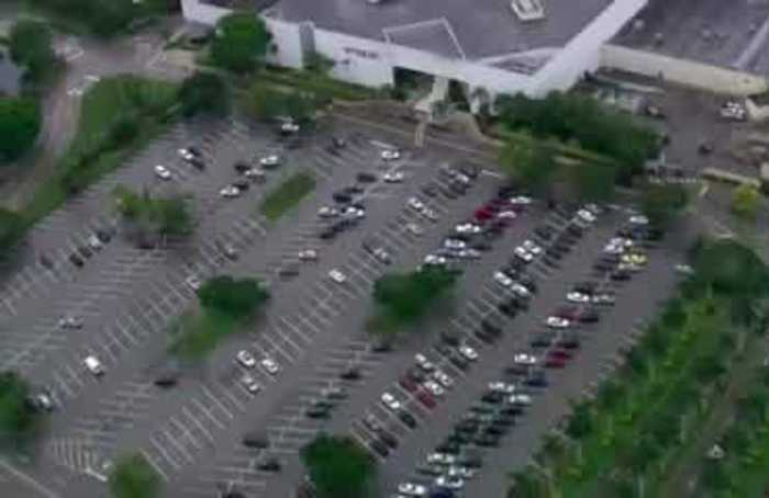 Incident at Florida mall leaves one injured