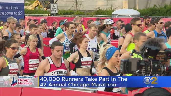 40,000 Runners Take Part In Chicago Marathon