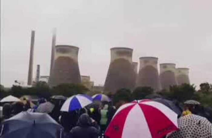 Cooling towers demolished at UK power station