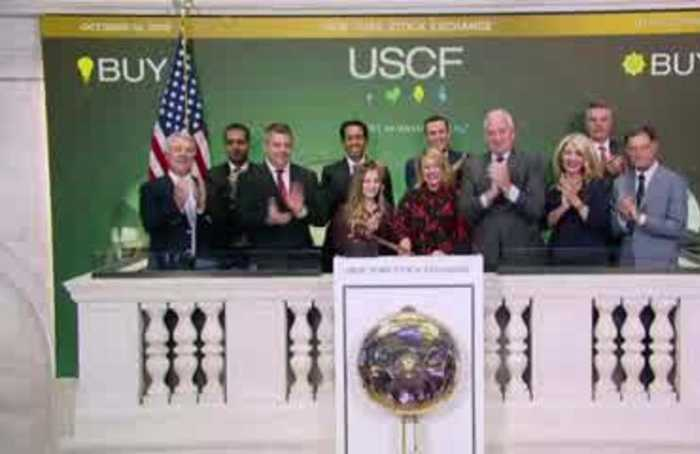 Stocks pause on trade deal uncertainty