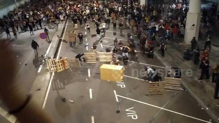 Intense scene as Catalan protestors barricade El Prat airport