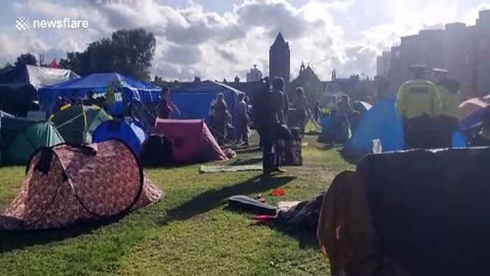 Climate activists have a 'rave' at Extinction Rebellion camp in London