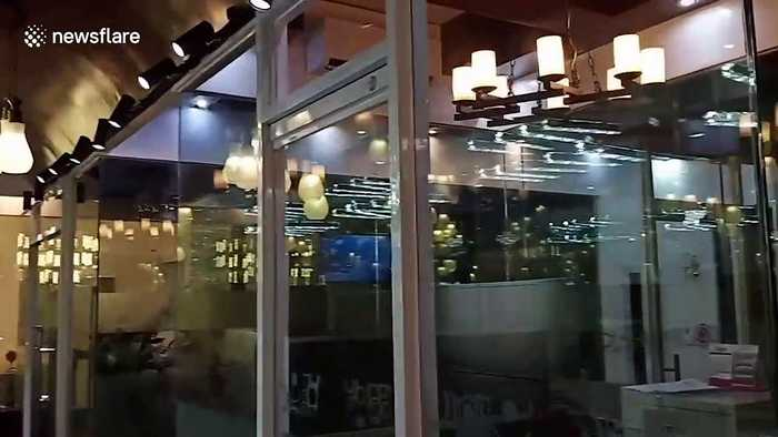 Restaurant shakes as 6.4 magnitude earthquake hits the Philippines
